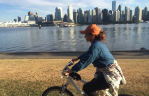 Spotted: Shania Twain Biking The Seawall In Vancouver