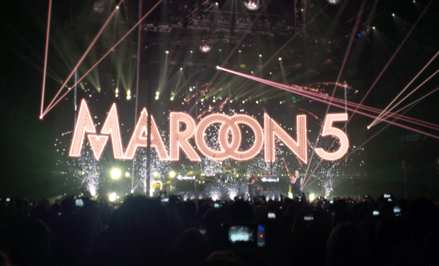 Maroon  V Tour Vancouver