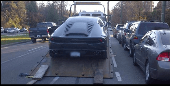 Driver of Lamborghini Huracan Gets His Car Towed After Speeding on Cambie