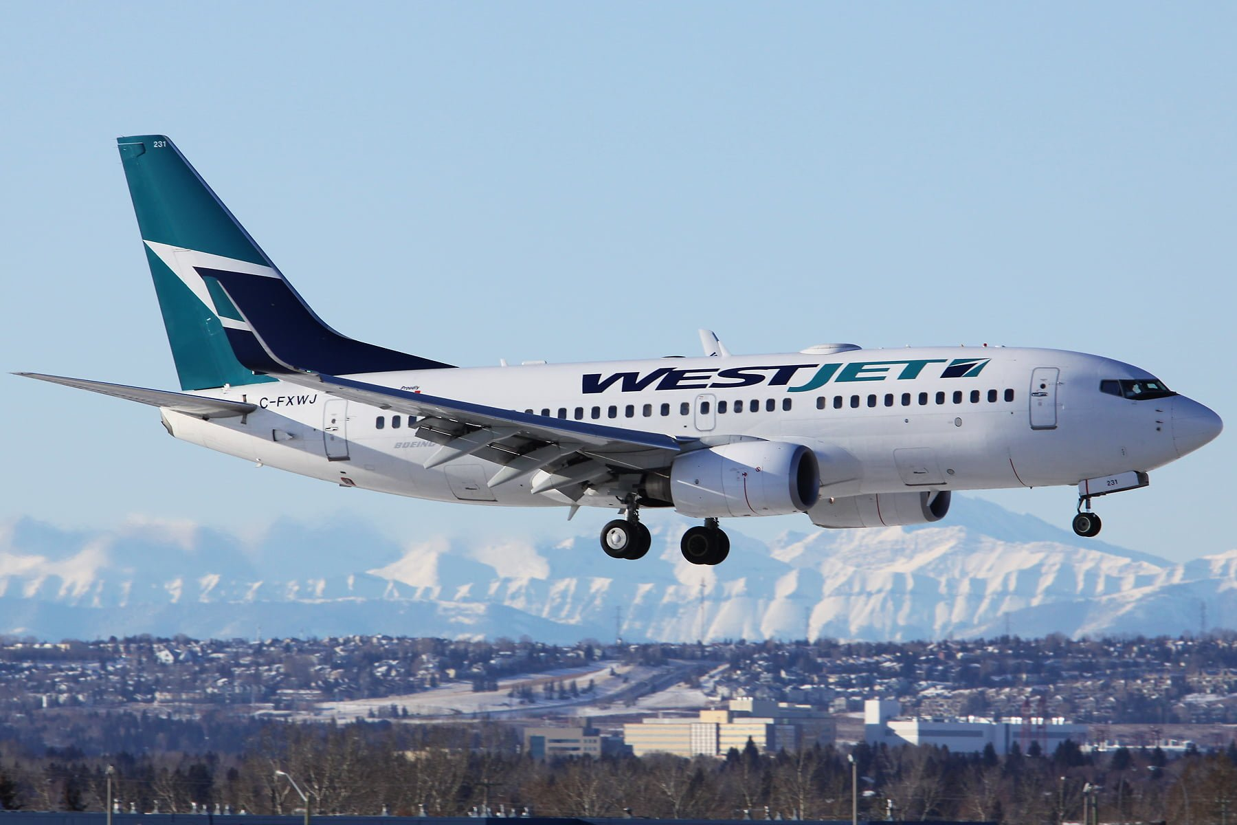 WestJet To Reduce 88 Weekly Flights Between BC And Alberta - WestJet To Offer $112 Direct Flights From Abbotsford-Las Vegas - Vancouver Man Shocked To Find Someone Flew Under His Name On WestJet Flight / westjet