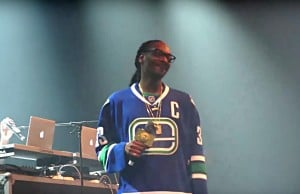Snoop Dogg Performs In Vancouver Sporting A Canucks Jersey, Again