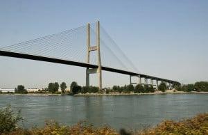 alex fraser bridge lane closures