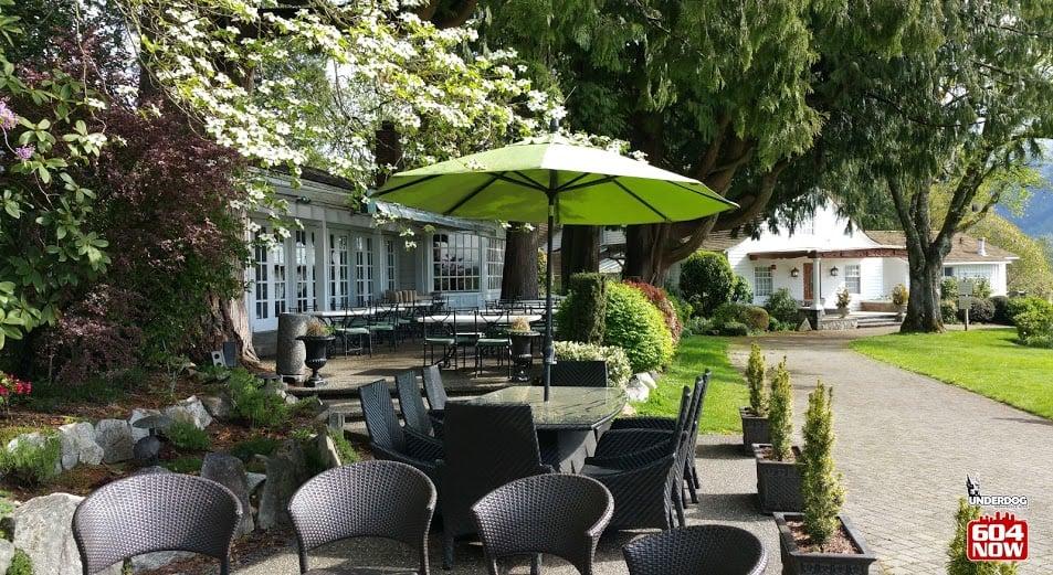 Rowena's Inn (Review)