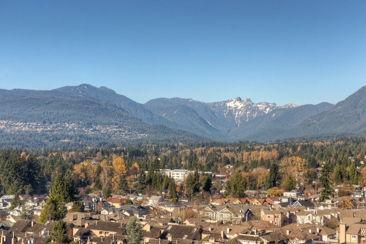 bridgewater-north-vancouver-mountains