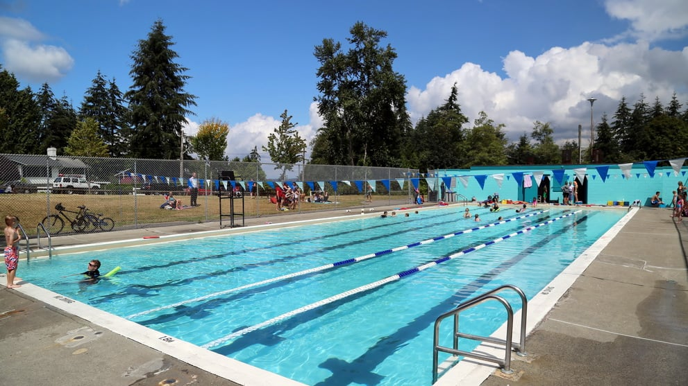 Take A Dip In One Of Surrey S Free Outdoor Pools 604 Now