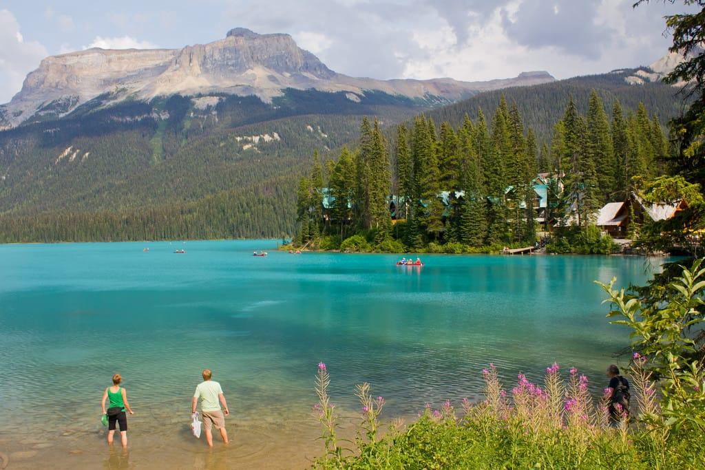 Clear lakes bc