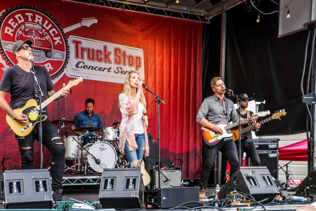 Red-Truck-Concert-Series-2016-31