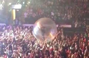 Blink 182 Lights Up Abbotsford (Photos + Videos)