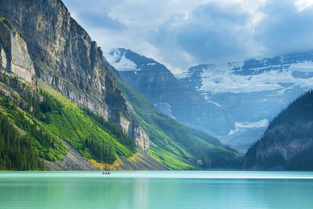 Photo: Lake Louise / Justin Foulkes / Lonely Planet