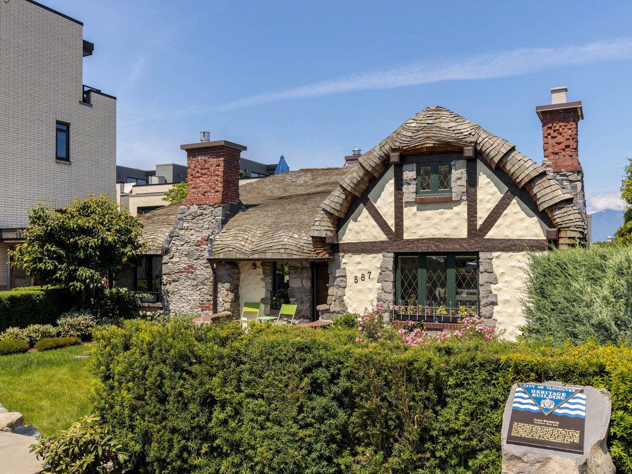 vanouver hobbit house