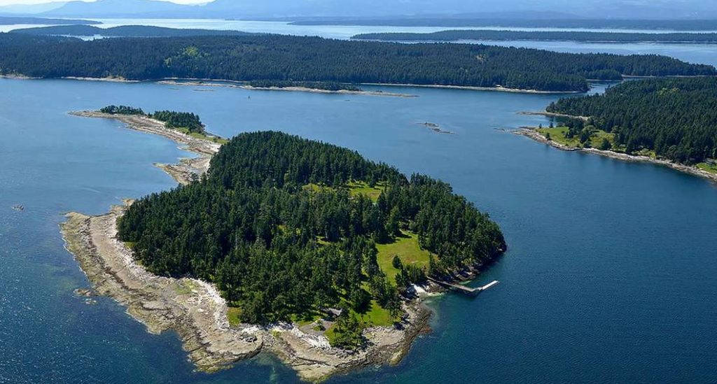 private islands rent bc