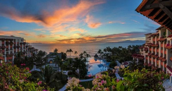 Cheap Places To Travel / Puerto Vallarta