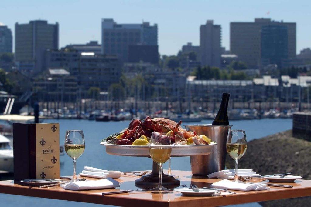 outdoor dining / outdoor date