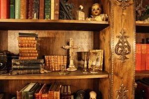 Dark Manor Inn