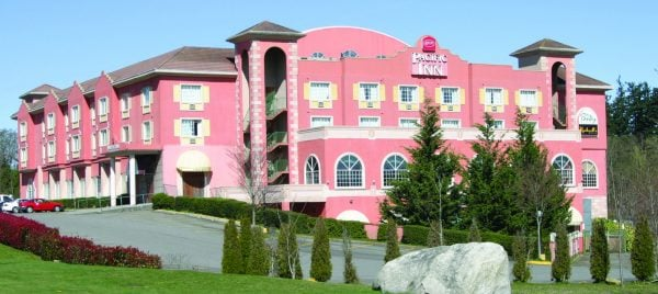 Pacific Inn Resort / paranormal tours