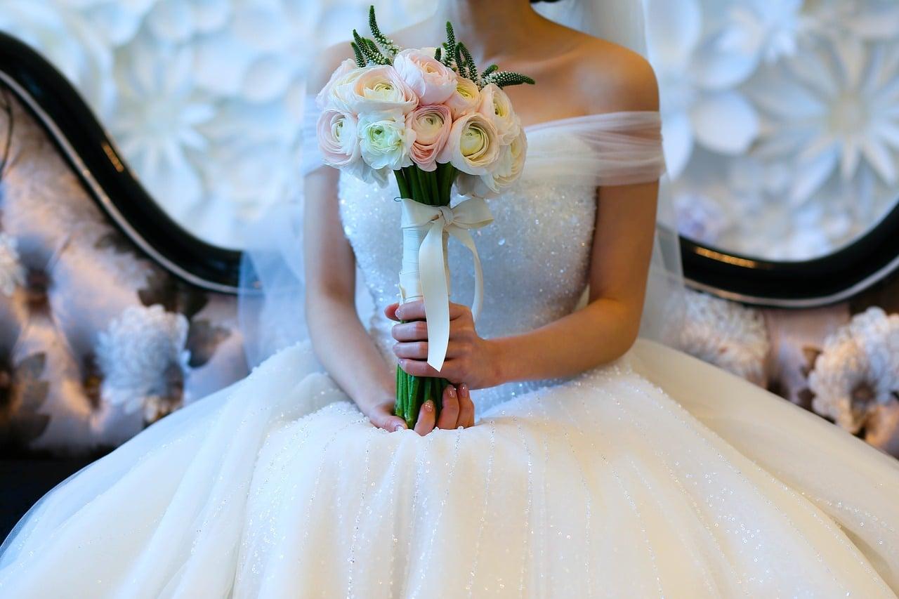 Pop Up Wedding Dress Sale