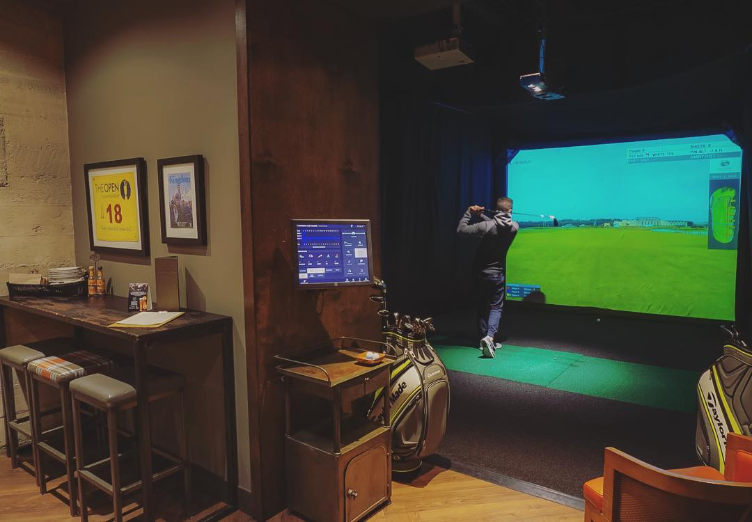 One Under Vancouver - Golf Simulator