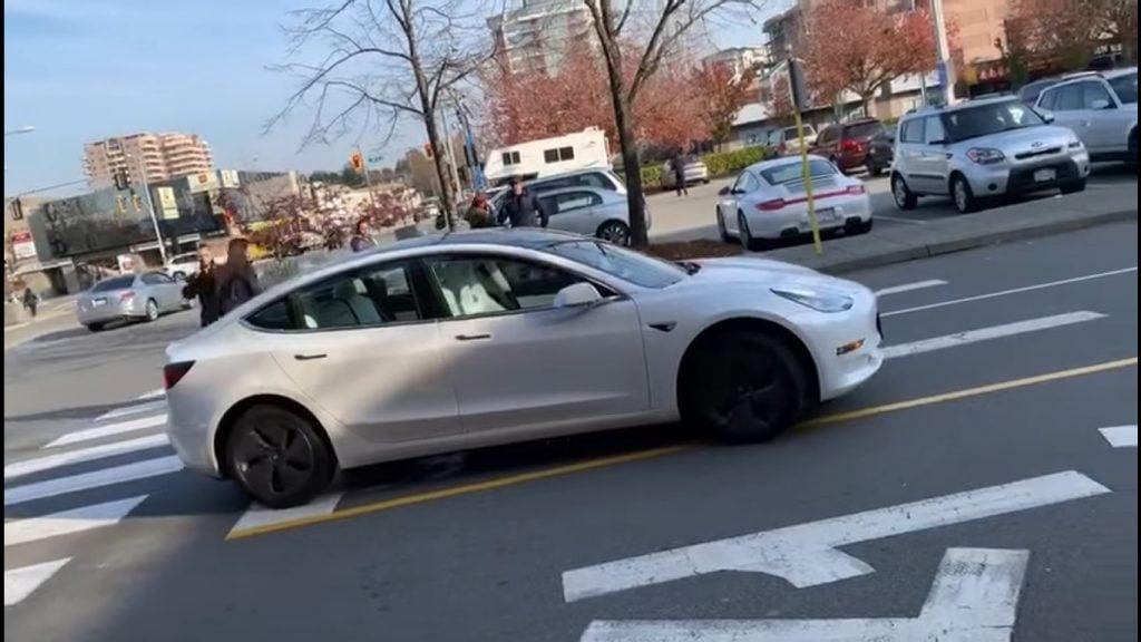 Tesla Model S Autopilot Smart Summon Richmond Video