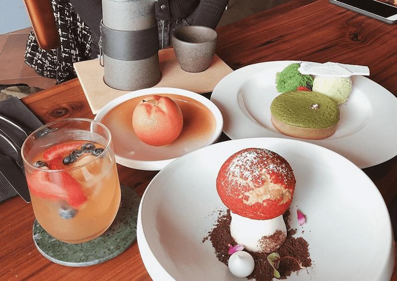 billy button dessert bar