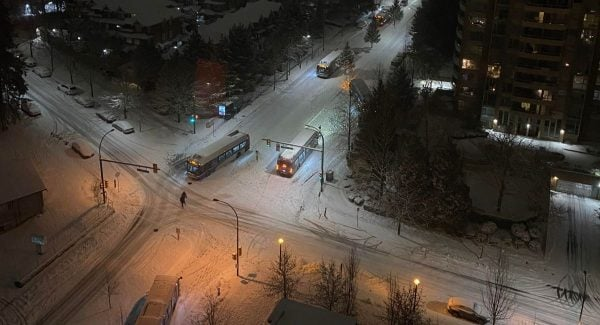 6 TransLink Buses Stuck In Burnaby Edmonds Salisbury Avenue