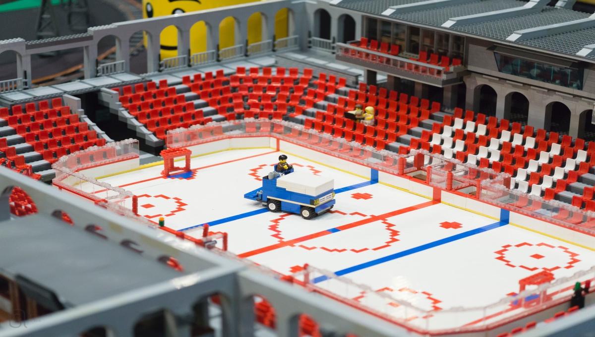 Andrew-Delbaere-LEGO-model