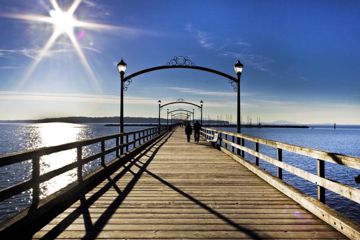 white rock pier day trips vancouver