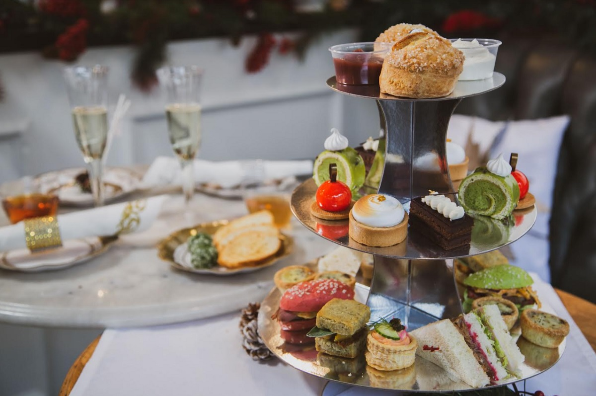 This Local Eatery Has Festive Takeout High Tea Just In Time For The Holidays
