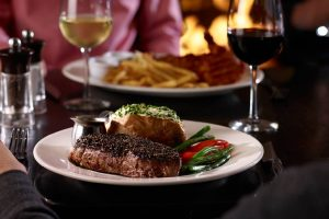 12 Days of Giveaways: Win a $100 Gift Card To The Keg Steakhouse + Bar