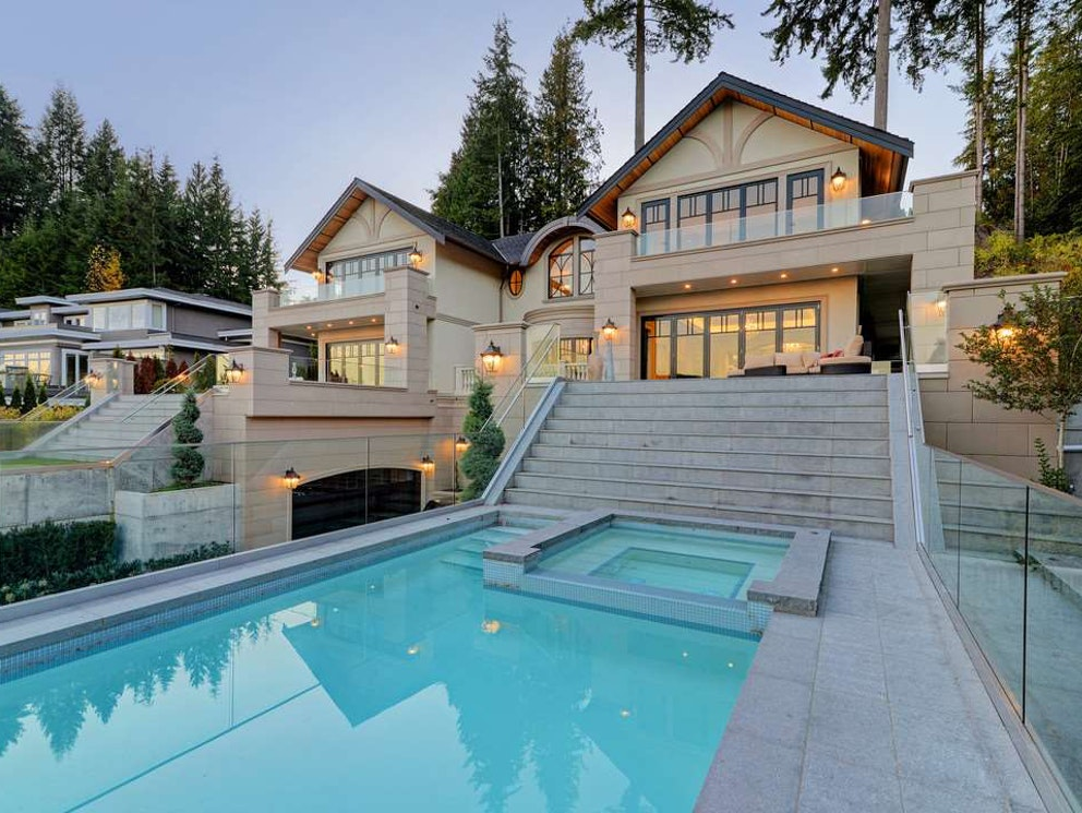 west vancouver mansion pool
