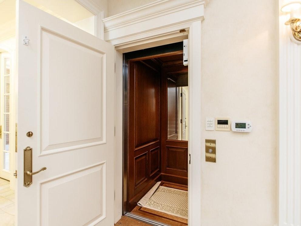 burnaby mansion elevator