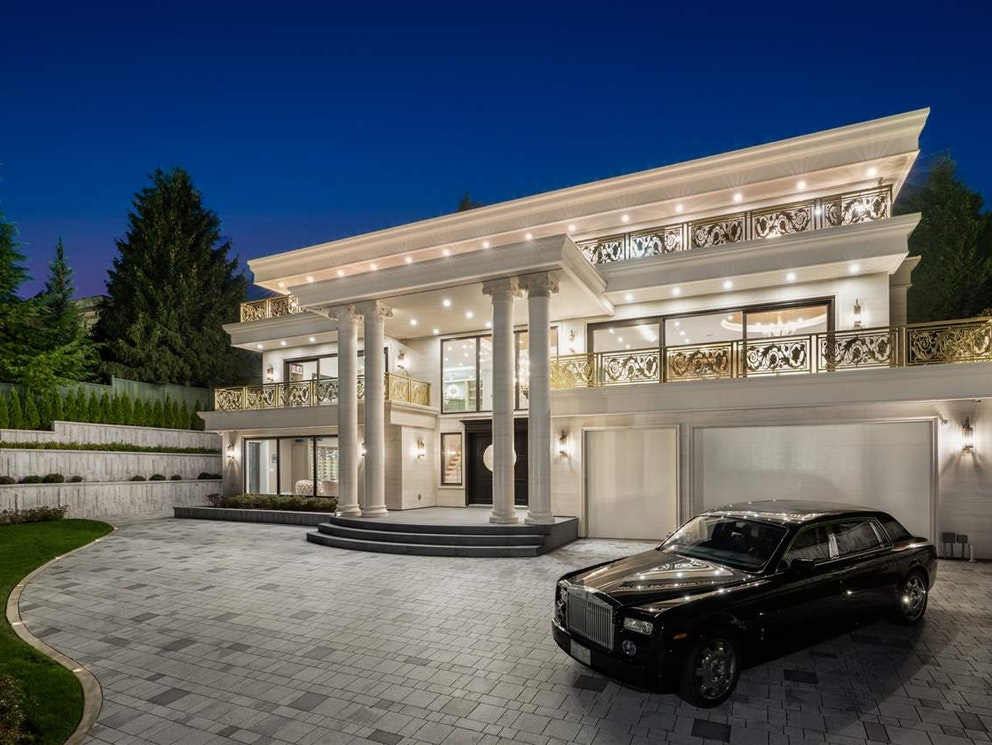 west vancouver mansion entrance