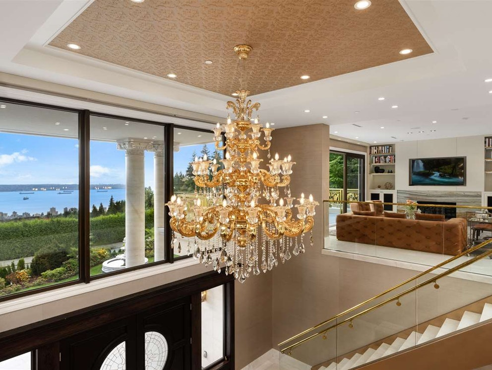 west vancouver mansion foyer