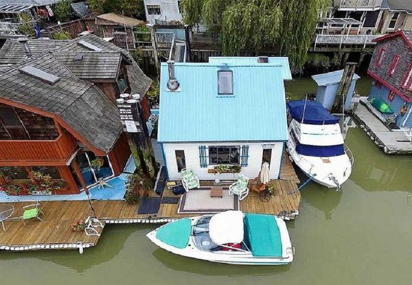 boathouse float homes
