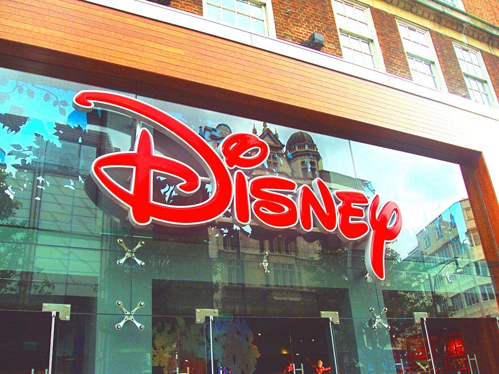 disney stores closing