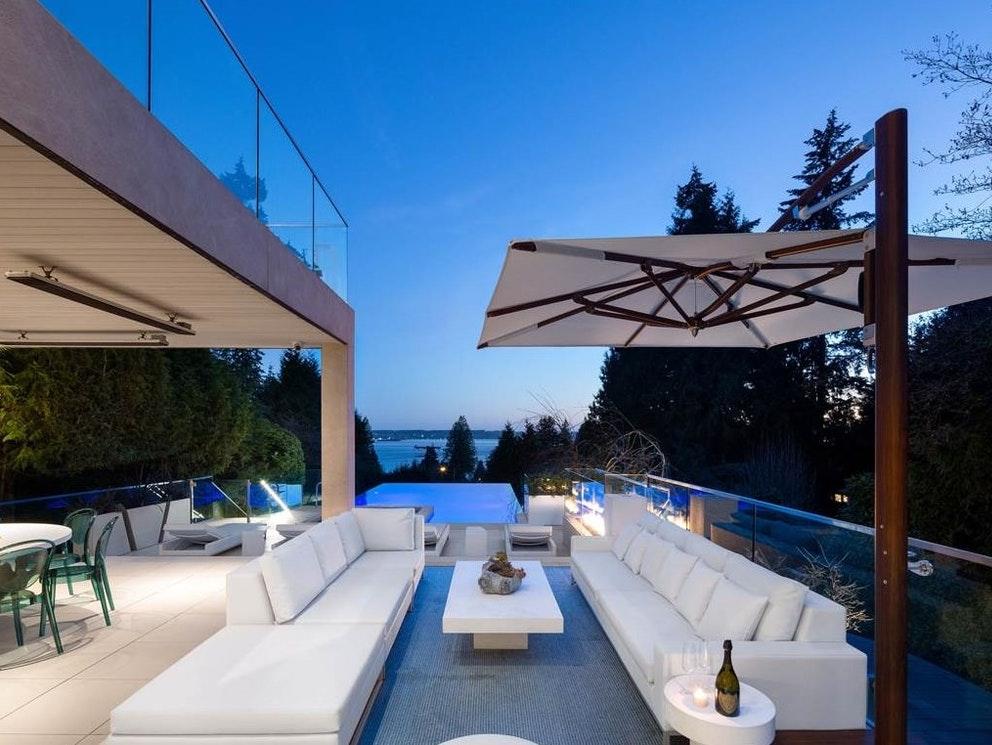 patio luxury