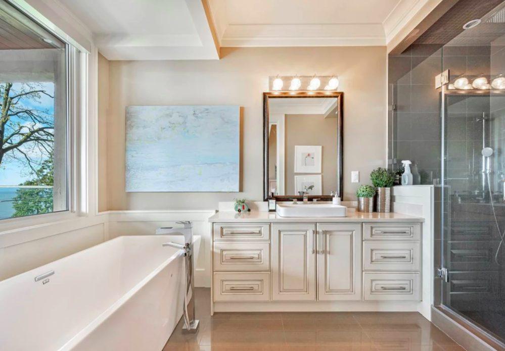 white rock mansion washroom