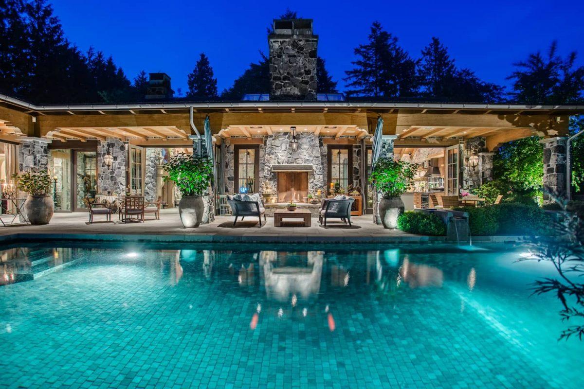 vancouver airbnb castle party venue