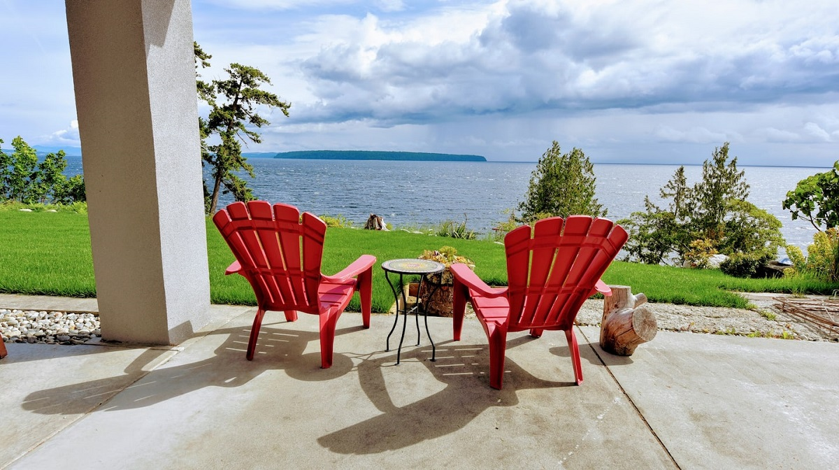 Airbnb on the Powell River